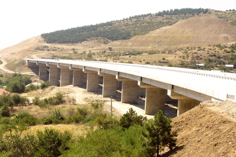 Construction of three bridges (viaducts) near Orman, Volkovo and Kondovo on the Northern Ring Road of Skopje, section Orizari-Saraj